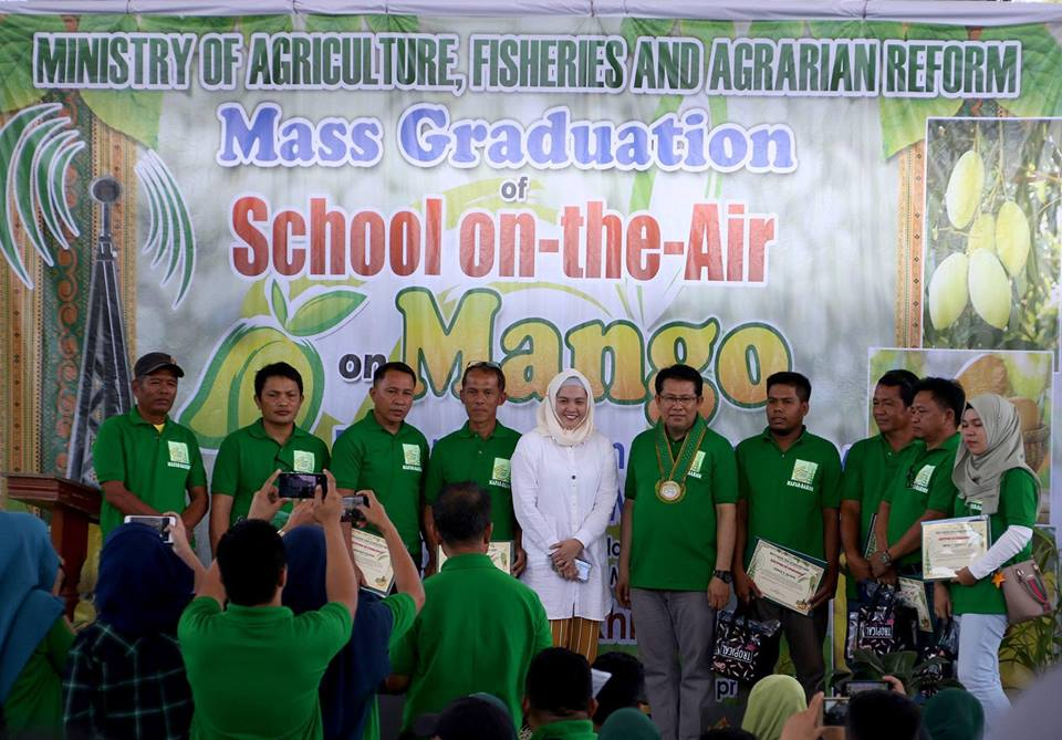Maguindanao farmers complete school-on-the-air course